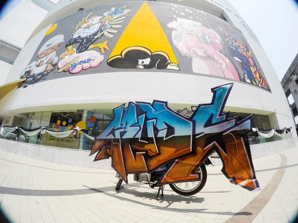 graffiti-motorbike-02